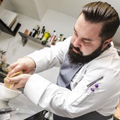 Szymon Stach, kucharz restauracji Quale
